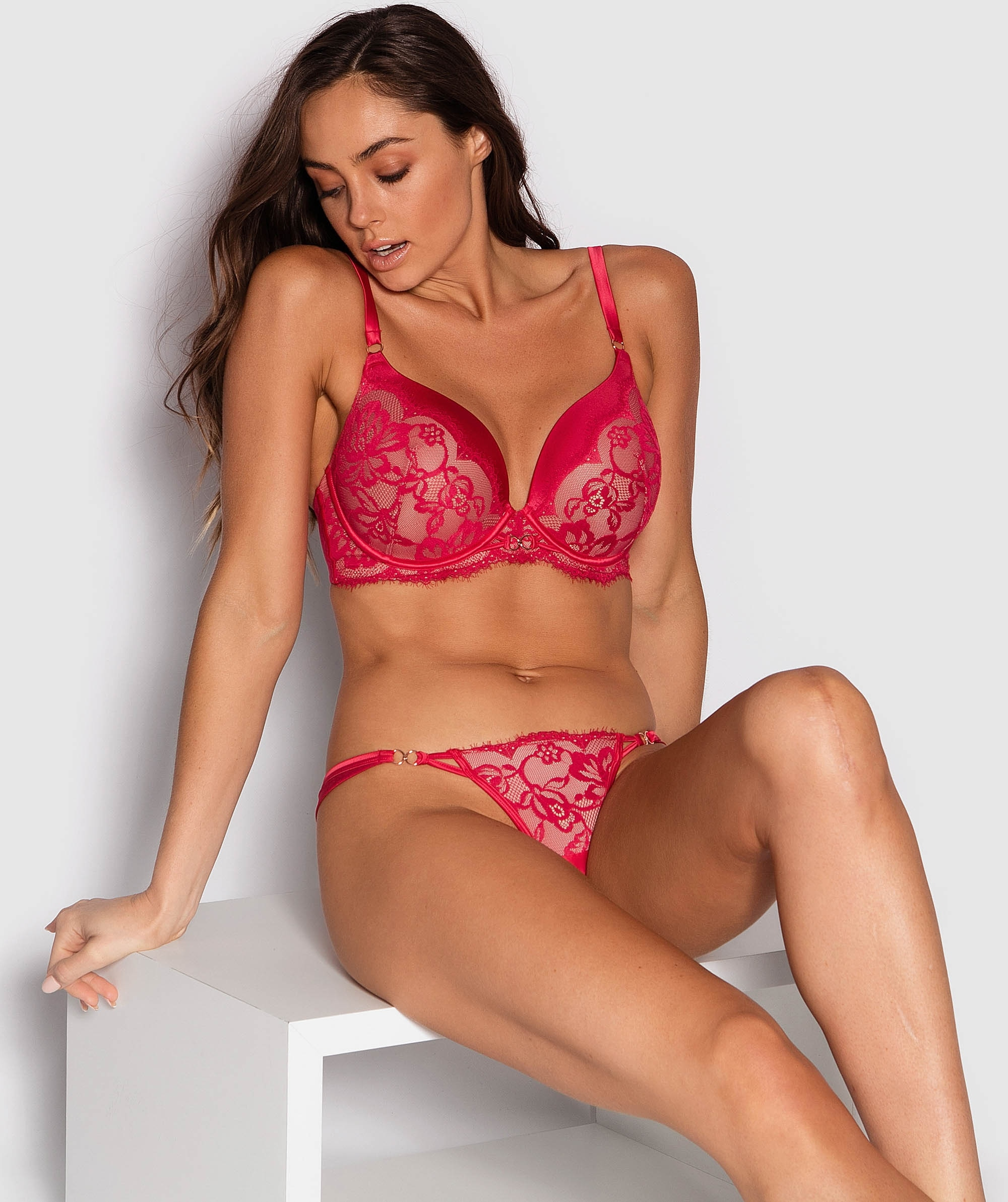 Fashion X Comfort V-String Knicker - Red/Nude