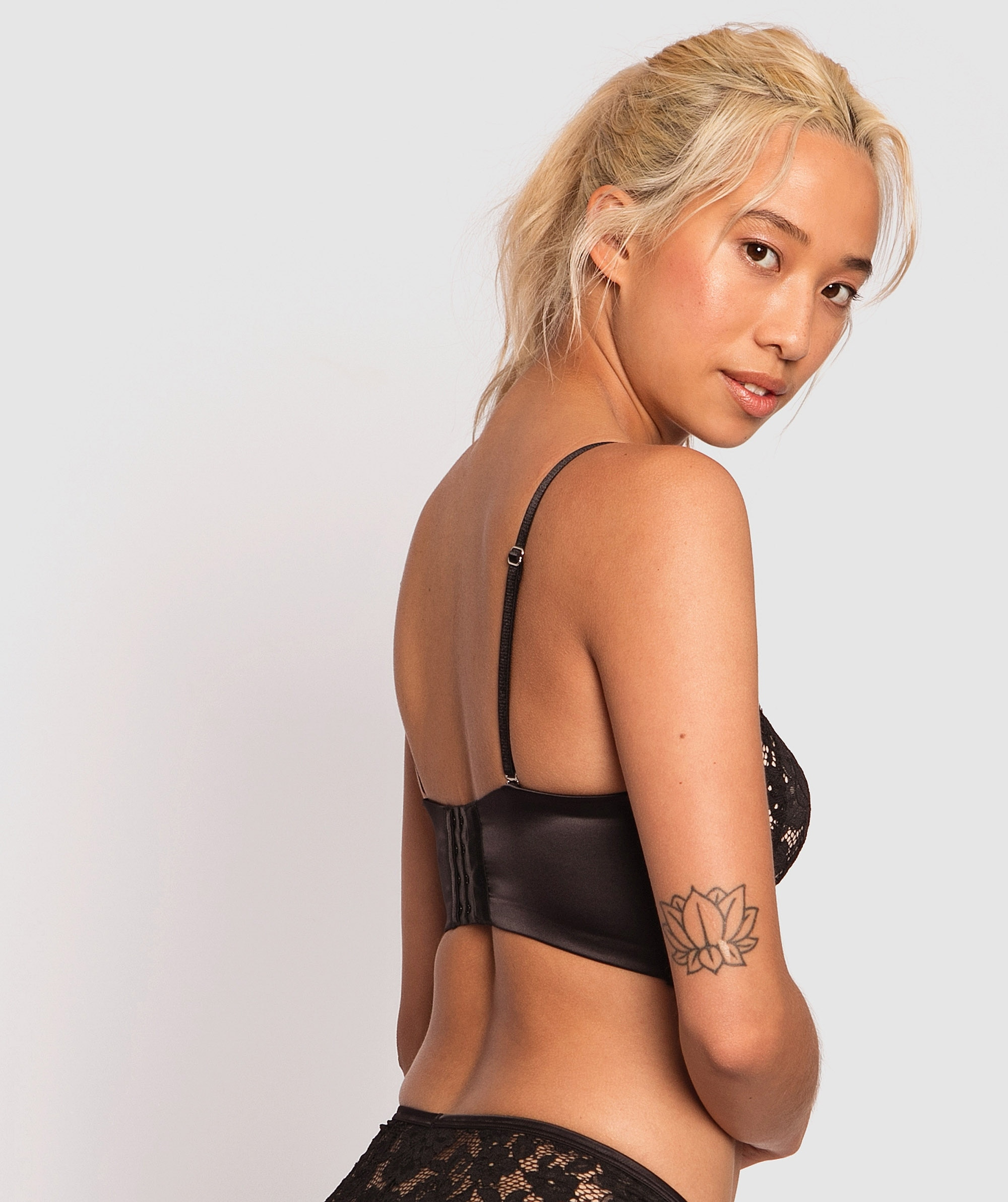 Avery Strapless Push Up Bra - Black/Nude