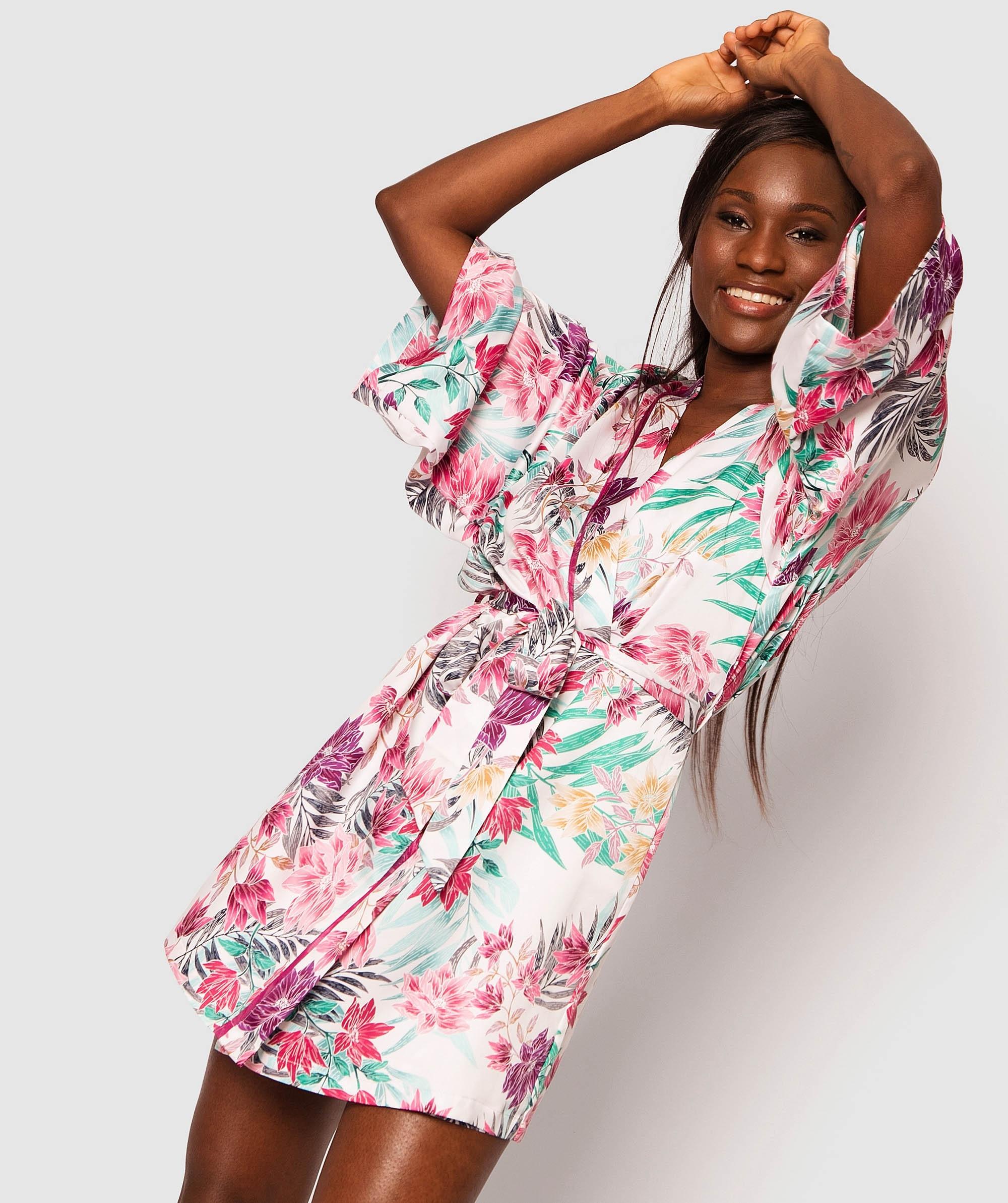 Fuchsia Dreams Short Wraps - Floral Print