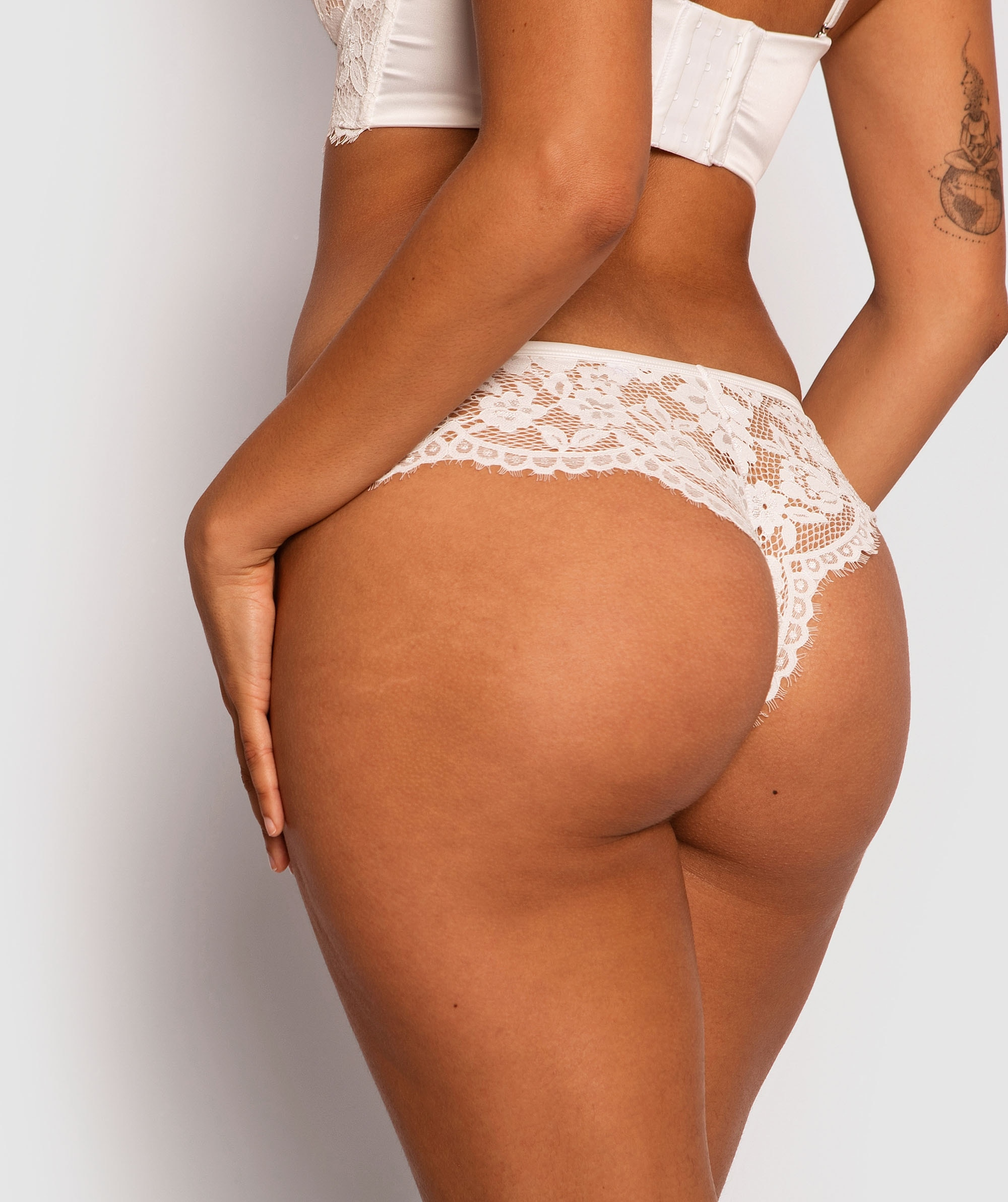 Avery Brazilian Knicker - Ivory